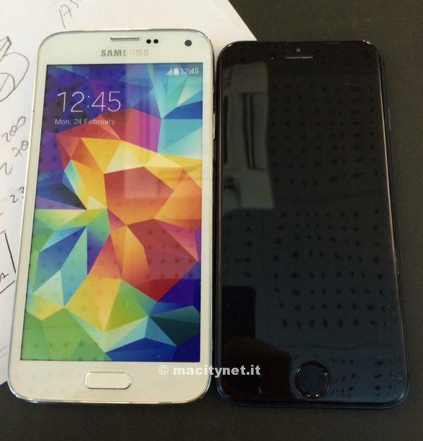 「iPhone6」の完成版モックアップと「GALAXY S5」を比較した画像と動画が流出!?