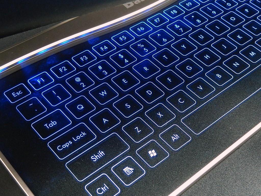 タッチセンサー式透明キーボード「Ultra Slim Touch Keyboard」が近未来的でかっこいい!