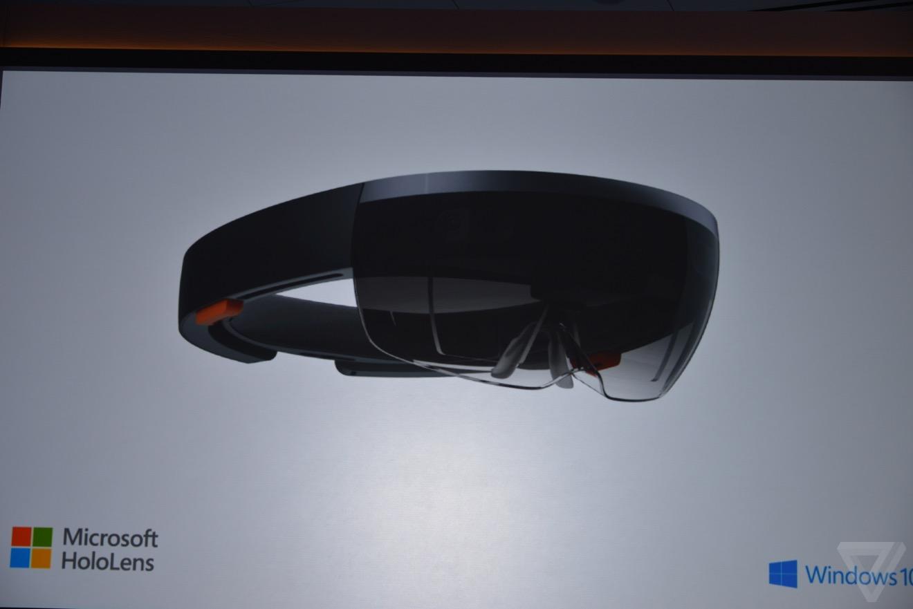 未来の世界が現実に!Microsoft、現実世界にホログラムを表示可能な「HoloLens」を発表!