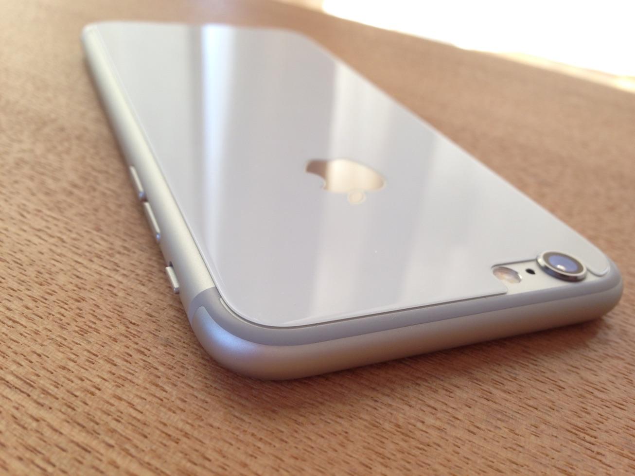 iPhone6の背面をiPhone4sのようなガラスにするDeFFのカバーが理想的なカバーだった