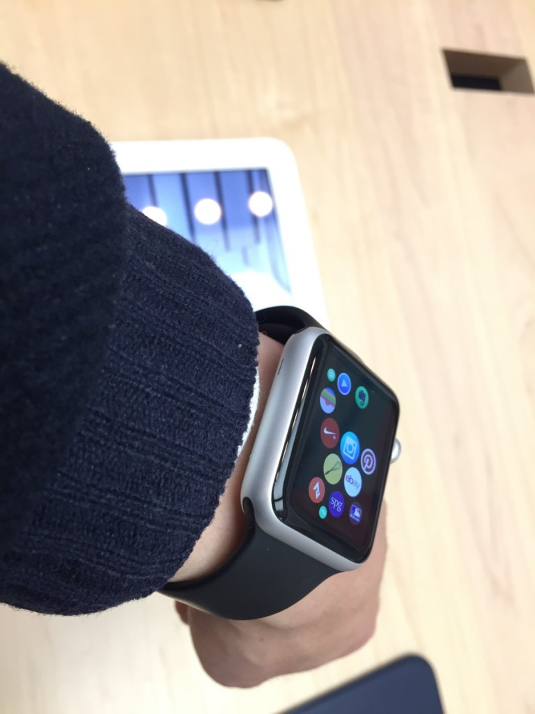 Apple Watch try on-1