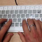 Apple、電子インクでキー表示を自在に変えられるキーボードを開発中か