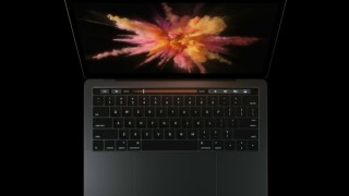 新型MacBook Pro 13/15インチが正式発表!「Touch Bar」、「Touch ID」搭載、薄型軽量化など