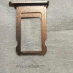 iPhone 8の新カラー「ブラッシュゴールド」のSIMカードトレイが流出か